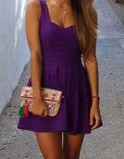 fioletowa rozkloszowana sukienka