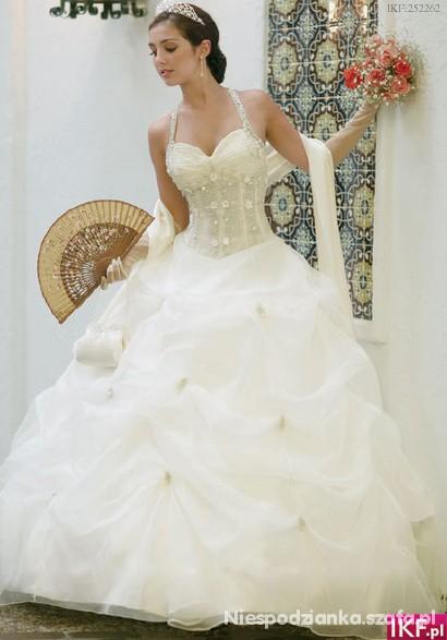 Na specjalne okazje Bajeczna suknia slubna