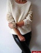 sweterek z cwiekami