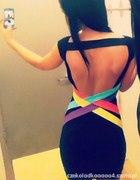 Neonowa sukienka odkryte plecy
