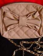 torebka bershka kopertówka pudrowy róż