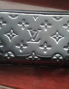 Portfele Louis Vuitton Gucci Chanel...