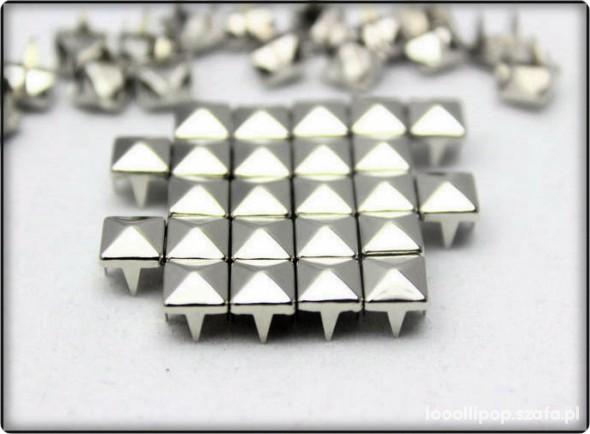 Pozostałe ĆWIEKI srebrne PIRAMIDKI 7mm