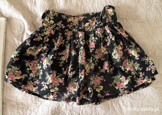 Krótka spódniczka w kwiatki M na lato