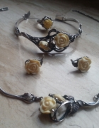 Komplet biżuterii srebrnej z różami
