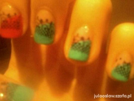 Mój styl miętowo pomarańczowe paznokcie