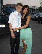 Stylizacja weselna z miętową sukienką asymetryczną