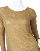 sweterek oversize ze zlotą nitką