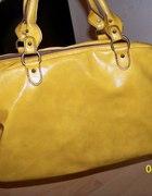 Śliczna musztardowa torebka kuferek ALDO