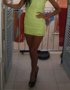 Sukienka Neon wycięte plecy