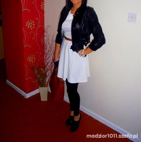 Wieczorowe biała sukieneczka