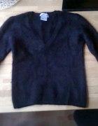 moherowy czarny sweterek hit