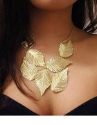 Naszyjnik złote liście