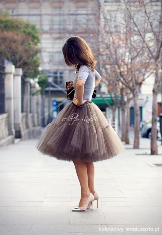 Romantyczne rozkloszowana tiulowa spódnica