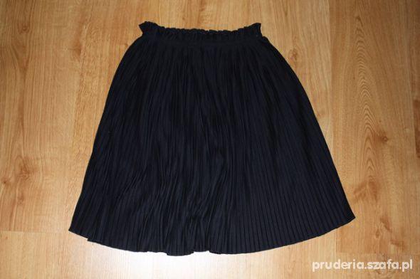 Plisowana spódnica HM rozmiar S lub XS w Ubrania Szafa.pl