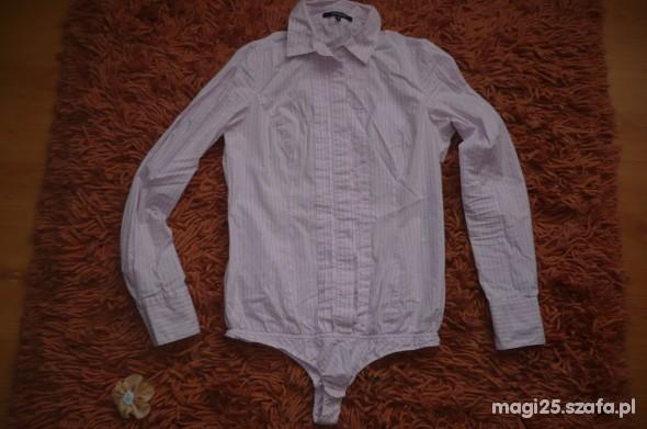 Jasnoróżowa bluzka w cienkie paseczki body...