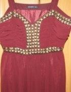 bordowa sukienka z ćwiekami