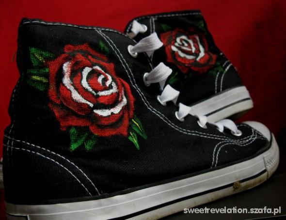 trampki handmade malowane w róże w Trampki Szafa.pl
