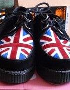 Creepersy z flagą Wielkiej Brytanii