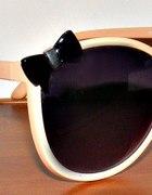okulary z kokardką...