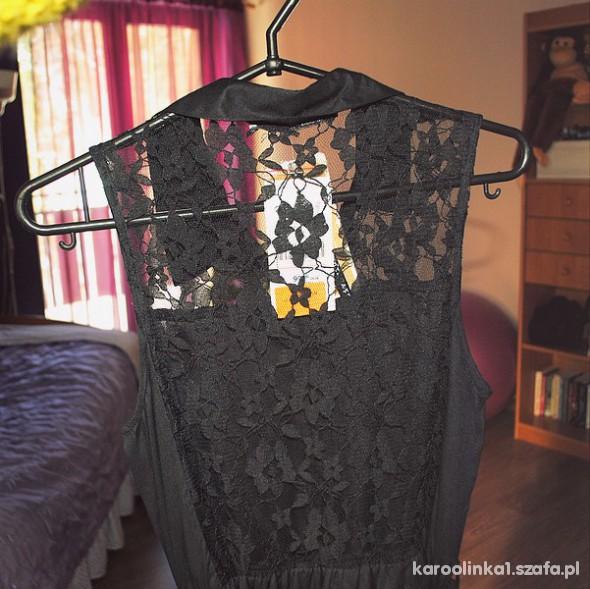 sukienka z koronkowymi plecami stradivarius...