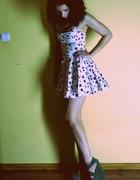 Sukienka w wisienki