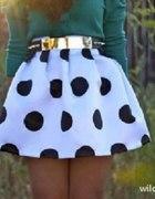 szukam spodniczka biala grochy kolka kropki