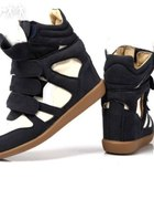 Sneakers koturny