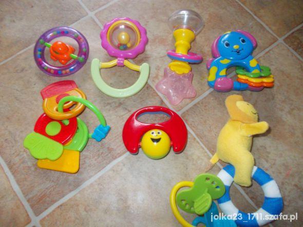 Zabawki zestaw 8grzechotek tez firmowe