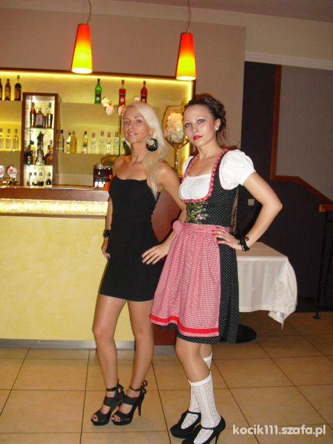 Imprezowe Czarna baskinka