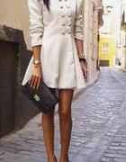Piękny płaszczyk plus buciki
