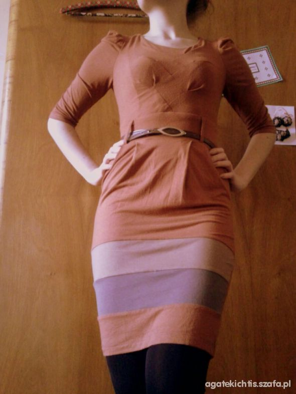 Brązowa sukienka na co dzień