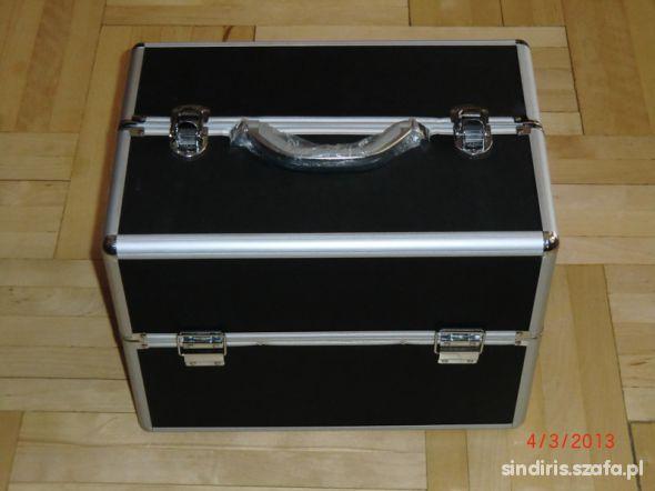 Duży kuferek kosmetyczny na kosmetyki i biżuterię