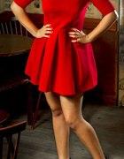 sukienka czerwona S rozkloszowana