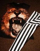 Bluzka z motywem lwa i legginsy w pasy