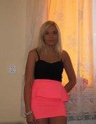 Neonowa spódniczka z Bershka