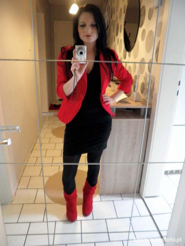 Eleganckie Elegancka czerń z czerwienią