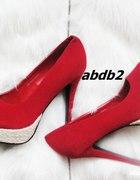 Czerwone z jasną platformą