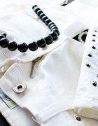 rureczki białe z ćwiekami...