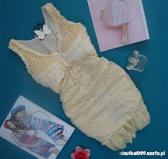 śliczna koronkowa sukieneczka S