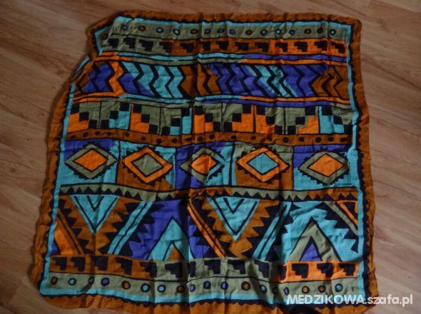 Chusty i apaszki CHUSTA W AZTECKI WZÓR