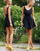 czarna sukienka koczek bizuteria i kanarkoe buty