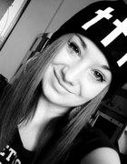 czapka z krzyżami