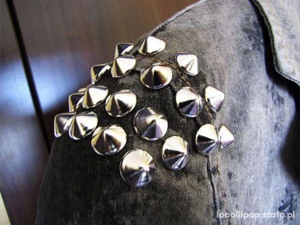 Pozostałe srebrne Ćwieki stożki kolce okrągle śr 12mm 10mm