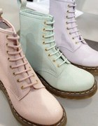 PASTELOWE MARTENSY DR MARTENS GLANY MILITARY