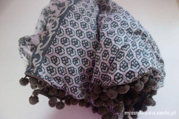 Chusty i apaszki chusta nowa wzory bardzo ładna pudrowy