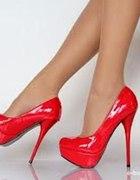 czerwone szpilki