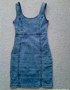 marmurkowa jeans sukienka