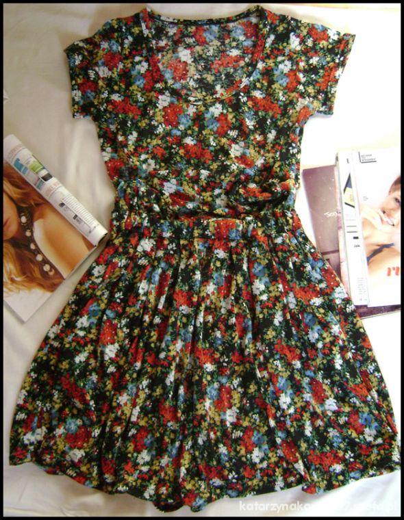 8c1bf136ea6c Rozkloszowana Sukienka kwiaty floral 36 38 s m w Suknie i sukienki ...