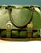 Zielona torebka teczka